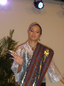 Louanne Calipayan dancing with metal claws or janggay.