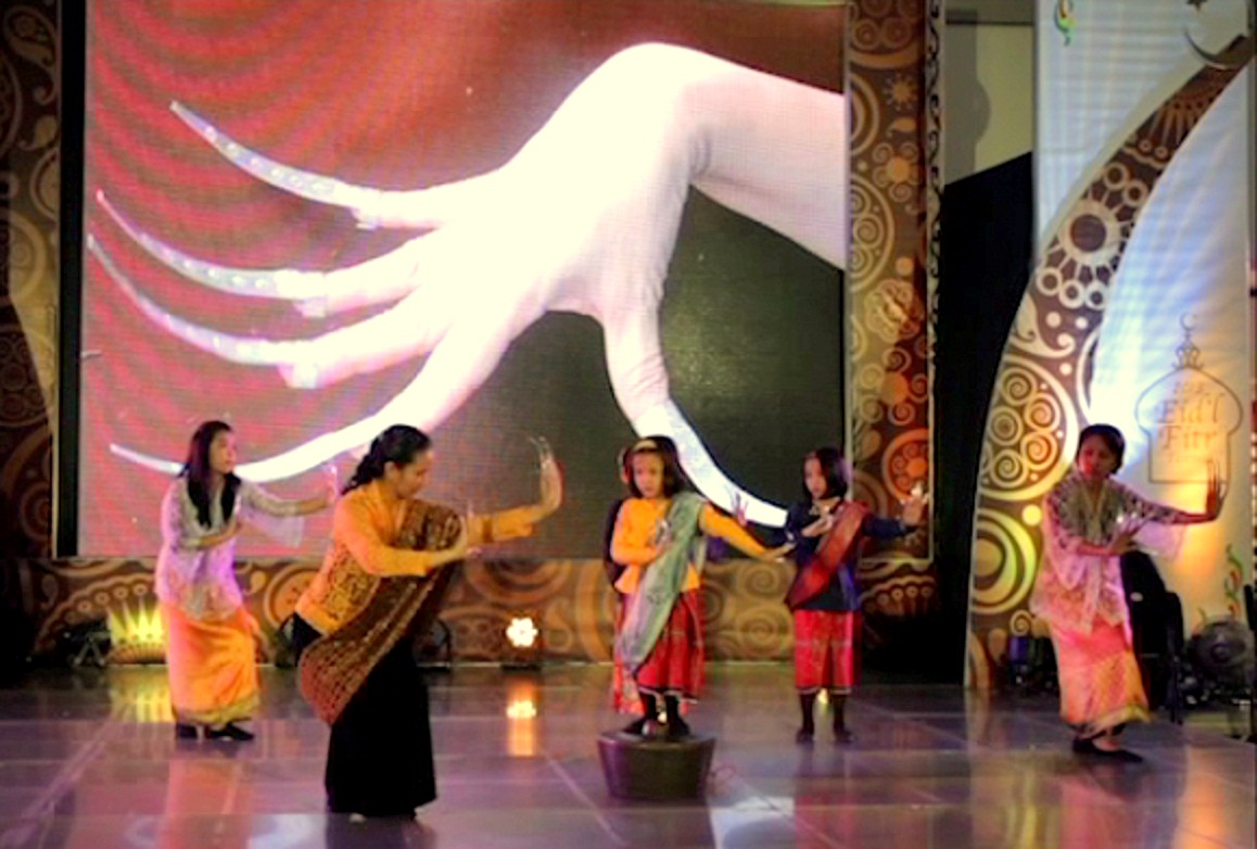 Janggay as a symbol of Philippine dance in a choreography with children dancing the pangalay ha agung.